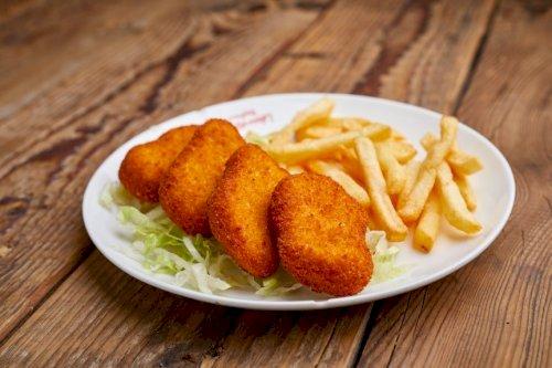 Chicken Nuggets (4 Pcs)