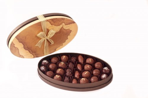 Gulf Map Oval S with Date Chocolates